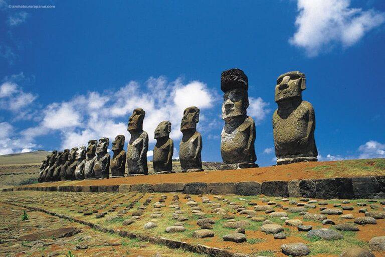 Le site archeologique spectaculaire de l'ile de Paques - Tongariki