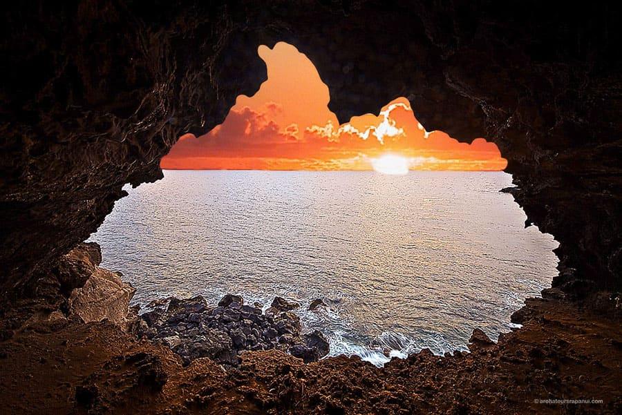Coucher de soleil depuis la grotte aux deux fenetres